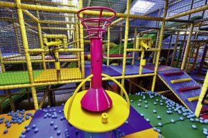 Contigo Indoorspielplatz Geräte